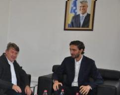 Delegacioni i FSSHK-së zhvillon takim me Ministrin e Shëndetësisë
