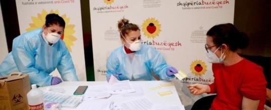 Edhe 208 mjekë dhe infermierë të Kosovës vaksinohen në Kukës